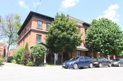 105 Saint Andrew St Condo Ottawa Exterior Image